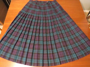 Ladies Kilt skirt Black Watch Tartan