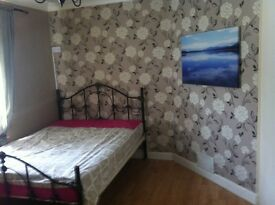 Double & single room for rent