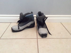 Saloman Cross country ski boots