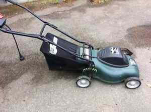 Yard works 8amp 120 Volt electric lawn mower with bagger