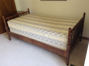 Twin Bed (Mattress, Boxspring and Frame)