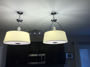 2 ceiling lights