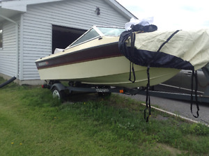 15 ft 4 seater boat,50hp Mercury motor,trailer and fish finder