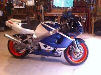 1999 gsxr 750