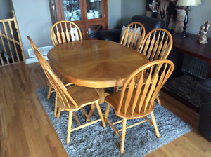Oak dining table set with 6 chairs - expandable