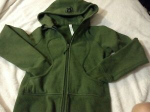 Lululemon green sweater, zipup hoodie, top great condition  London Ontario image 2