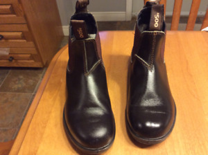Size 4 Blundstone Unisex Original # 500 Stout Brown boots