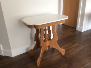 Casual table