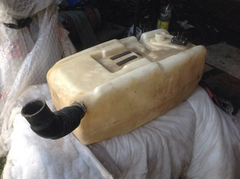 FUEL TANK FOR BOAT HOLDS 14.5 GAL.