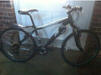 """MEN'S 19""""INCH FRAME MONGOOSE SWITCH BACK SPORT FRONT SUSPENSION MOUNTAIN BIKE £170.00"""