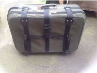 Big Suitcase for sale £5 suitcase for 30/35kg