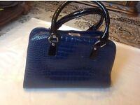 Ladies shoulder bag navy colour used £7