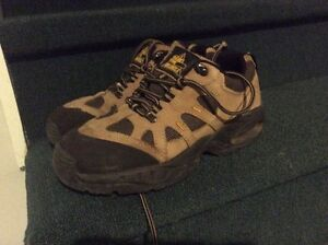 Steel tow shoes size 8
