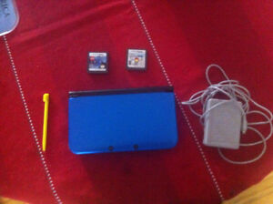 Nintendo 3DS-XL with charger, sd-card and 2 games!