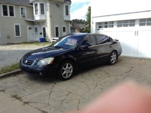 2002 Nissan Altima 3.5 SE 4 door sedan