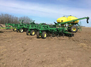 JD 1820 61' air drill with 2011 JD 1910 350 bushel air cart