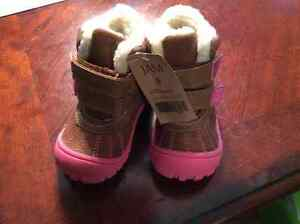 Size 6 toddler girl boots, new with tags