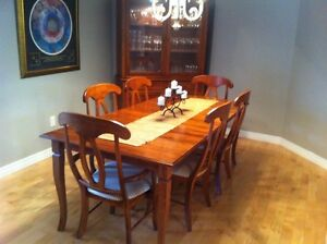 Dinning room set/make me an offer