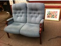 Plush 2 seater settee / good quality