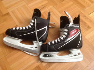 Boys Skates - CCM Intruder Size 2 Youth
