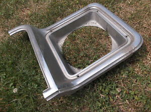 1973 to 1978 Chevrolet & GMC pickup right headlamp bezel London Ontario image 3