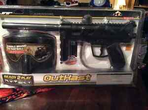 Paintball gun with accessories New in package Belleville Belleville Area image 1