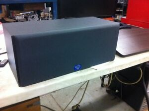 Mint Cerwin Vega Speakers. Center channel with matching towers.  Kitchener / Waterloo Kitchener Area image 1