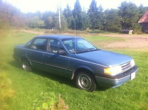 1990 Ford Tempo ( RARE FIND! LOW KM! )