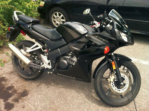 2007 Honda CBR- 125CC - Mint Condition!