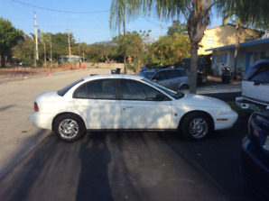 1999 Saturn L Series, 4 Door  CERTiFIED SAFETY CHECK