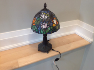 """Stain glass Dragon fly small lamp 15"""" tall  8"""" diameter"""