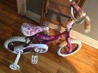 Un vélo de princesse de qualité en très très bonne condition