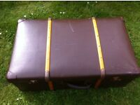 VINTAGE RETRO MOCCA WOOD BANDED TRUNK STYLE SUITCASE ~ DISPLAY