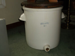 LARGE CERAMIC CROCK Kawartha Lakes Peterborough Area image 2