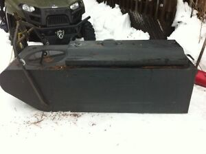 Ice fishing / Trappers sleigh