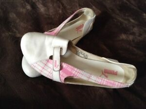 Puma shoes pink & white  London Ontario image 1