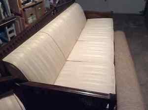 Divan 4 places et fauteuil en tissus de qualité