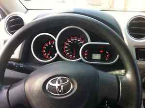 Toyota matrix 2010 1.8Lto sell /a vendre