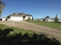 Acreage in town of Innisfail