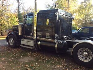 2006 Western star Lowmax Kawartha Lakes Peterborough Area image 2