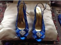 Brand new sandals size 40/7 blue diamond £4