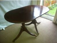 *LOOK*Mahogany dining table only £15