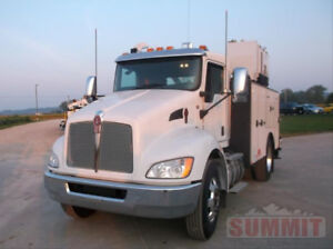 2018 Kenworth T270 with 11ft Summit Service Body
