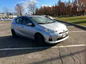 2013 Toyota Prius C Technology Hatchback - Great Price