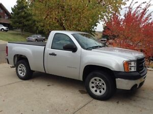 2010 GMC Sierra W/T w/command start NO GST