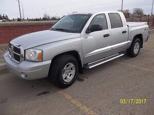 122,000 KMS SELL or TRADE.... 2005 Dodge Dakota SLT Pickup Truck