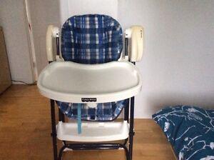 Chaise haute  Fisher price 20.00
