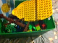 Container with jack and Neverland pirates and Cars duplo