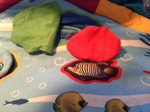 Ocean light and sound floor mat and toy frame