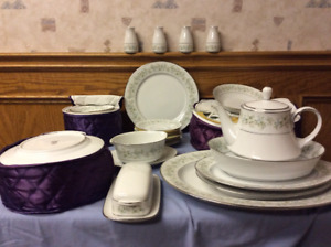 Noritake China Set  Savannah